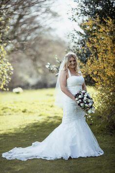 The Beautiful Bride #bijoubride #bijourealwedding #glamorous #luxury #stunning #silchesterhouse #weddingflowers #exclusive