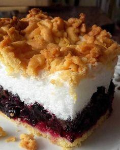 Roquefort mini cakes, smoked walnuts and bacon - Clean Eating Snacks Polish Desserts, Polish Recipes, Baking Recipes, Cake Recipes, Dessert Recipes, Different Cakes, Savoury Cake, Homemade Cakes, Mini Cakes