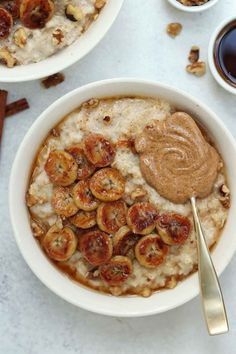 This caramelized banana oatmeal is SO delicious and creamy, it will be the only thing getting you out of bed in the morning. More from my siteCaramelized Banana Oatmeal (Vegan & GF)Caramelized Banana Oatmeal (Vegan & GF) Healthy Breakfast Recipes, Healthy Snacks, Vegetarian Recipes, Healthy Eating, Cooking Recipes, Healthy Recipes, Vegan Breakfast, Banana Breakfast, Breakfast Bowls