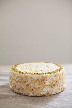 Almond meringue, vanilla sponge, pistachio mascarpone filling with raspberries & figs jelly, white chocolate mousse.