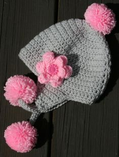 Crochet Hat Earflap, Crochet Flower Hat, Bonnet Crochet, Crochet Kids Hats, Crochet Beanie Pattern, Crochet Cap, Crochet Girls, Crochet Baby Clothes, Baby Knitting Patterns
