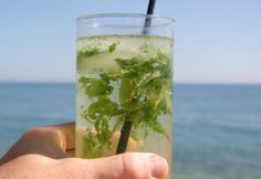 Anytime pitcher of booze is sense overweight among the pup days of summer season, look to the minty wholesomeness of a new fresh mojito to save you. Skinny Mojito Recipe, Easy Drink Recipes, Beer Recipes, Yummy Drinks, Cocktail Recipes, Ginger Ale, Alcoholic Drinks, Beverages, Cocktails
