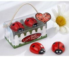 50 Love Bug Adorable Lady Bug with Hearts Magnet Wedding Favors in Cute Gift Box Wedding Favours Magnets, Wedding Shower Favors, Unique Wedding Favors, Baby Shower Favors, Unique Weddings, Diy Wedding, Wedding Ideas, Wedding Stuff, Wedding Inspiration