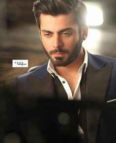 i love the detached, unemotional looks. Bollywood Actors, Bollywood Celebrities, Models Men, Attractive Eyes, Smart Men, Pakistani Actress, Good Looking Men, Latest Pics, Beard Styles