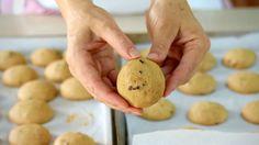 Il dado fatto in casa è utilissimo in cucina per arricchire mille ricette. Il vantaggio, è che possiamo farlo con ingredienti scelti personalmente.