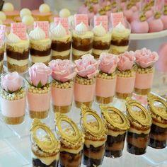 New succulent wedding cake chocolate ideas Dessert Party, Mini Dessert Cups, Party Desserts, Wedding Desserts, Dessert Table, Succulent Wedding Cakes, Mini Wedding Cakes, Wedding Cookies, Mini Cakes