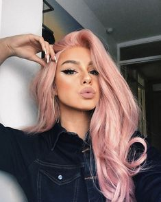 50 Winged Eyeliner Looks Ideas Pastel hair colors Pastel Pink Hair, Long Pink Hair, Dusty Pink Hair, Baby Pink Hair, Pink Blonde Hair, Pink Wig, Pretty Pastel, Rose Gold Blonde, Girl With Pink Hair