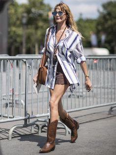 How to Wear Cowboy Boots 10 Ways - The Effortless Chic #howtowear #cowboyboots #styleadvice #styleblogger