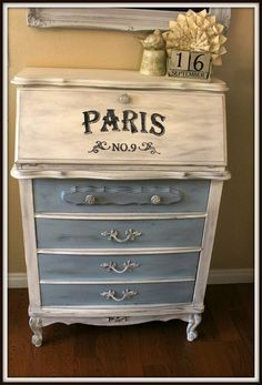Shabby Chic Project Idea Project Difficulty: Medium MaritimeVintage.com Shabby Chic Projects You Can Do Yourself How To | DIY Project Difficulty: Simple MaritimeVintage.com #ShabbyChic #Shabby #chic #shabbychicideasprojects