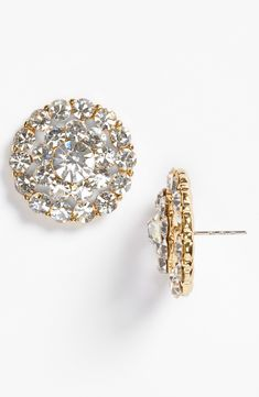 Oh, so pretty. Hypnotized by these sparkly cluster stud earrings.