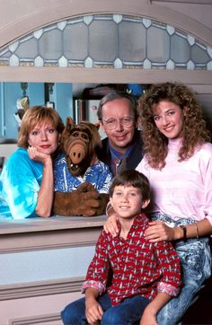 The cast of the hit tv sitcom 'ALF'! Starring Max Wright who passed away on June Photo Credits: imago images Erin Brockovich, Carol Channing, 90s Tv Shows, Movie Co, Celebrity Deaths, Odd Couples, Gentlemen Prefer Blondes, Classic Horror Movies, Bill Cosby