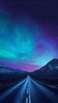 aurora borealis a road - The iPhone Wallpapers Beautiful Sky, Beautiful Landscapes, Beautiful World, Aurora Borealis, Natur Wallpaper, Landscape Photography, Nature Photography, Scenic Photography, Night Photography
