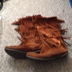 Minnetonkas Only wore it 4 times very comfortable open to offers or trades Minnetonka Shoes Ankle Boots & Booties