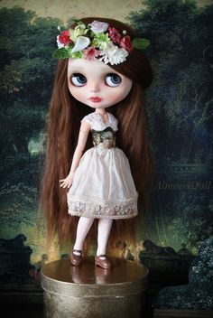 She is wearing beautiful corset by karolinfelix and petticoat from my Secret Garden Collection.  She also have ooak flower wreath made by me ^__^