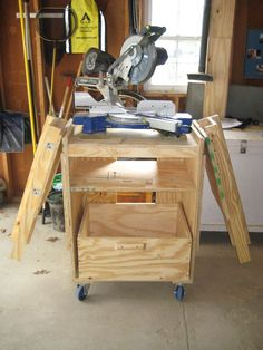 Miter saw table: Idea for converting the plans to accomodate the rolling table platform. Miter Saw Table, Table Saw Workbench, Diy Table Saw, Workbench Plans, Garage Workbench, Table Saw Station, Mitre Saw Station, Woodworking Saws, Woodworking Crafts
