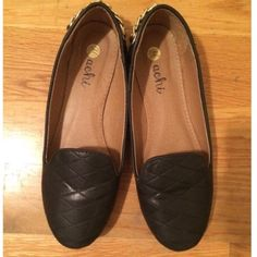 Quilted black faux leather flats / loafers Gold chain detail. Excellent condition. A bit snug for my size 9 foot. So maybe fits more like an 8.5 comfortably ☺️ Shoes Flats & Loafers