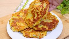 Vegetable Pancakes, Vegetable Dishes, Vegetable Recipes, Lunch Recipes, Cooking Recipes, Healthy Recipes, Asian Tofu Recipes, Veggie Fritters, How To Cook Zucchini