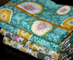 Pillowcase with french seams - tutorial