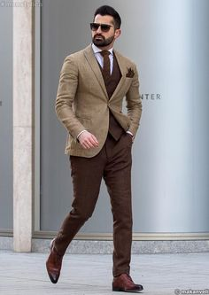 men suits fashion -- Click above VISIT link to find out Formal Men Outfit, Men Formal, Gentleman Mode, Gentleman Style, Mens Fashion Suits, Mens Suits, Stylish Men, Men Casual, Blazer Outfits Men