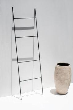 A Comprehensive Overview on Home Decoration - Modern Phoenix Arizona, Quilt Ladder, Diy Blanket Ladder, Bathroom Interior, Interior Design Living Room, Attic Bathroom, Selling Handmade Items, Minimal Decor, Minimalist Bathroom