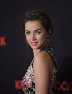 Ana de Armas Photos Photos - Premiere of 'Knock Knock' - Arrivals - Zimbio