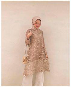Hijab Gown, Kebaya Hijab, Hijab Dress Party, Party Gowns, Kebaya Dress, Dress Muslim Modern, Kebaya Modern Dress, Muslim Dress, Model Kebaya Brokat Modern
