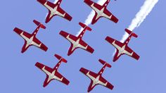 The Snowbirds, Canadian military stunt pilots