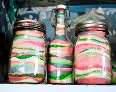 Sand Jars - Décors en sable coloré, dans de petits pots de verre