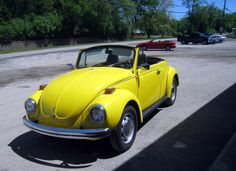 For sale at eBay a 1972 classic cabriolet in Fox River Grove, Illinois. eBay item number: 320904489506, two days left. Current bid: US $2,150 (Reserve price not met)