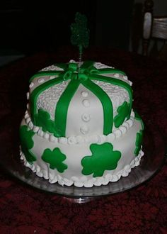 Cake Decorating St Patrick Day : 1000+ images about St Patrick s Day Cakes on Pinterest ...