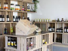 Kennt ihr schon unseren neu eingerichteten Hofladen? Genuss für jedermann (und Frau) verspricht unser Sortiment!  #hofladen #aichinger #weingut Farm Shop, Woman