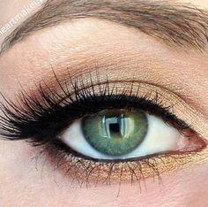 Pretty gold eyeshadow to wear with an emerald #prom #dress #stpatricksday