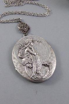 Sabiduría diosa flores collar Locket medallón plata