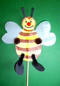 Biene mit Transparentpapierflügel -  Tiere Basteln - Meine Enkel und ich