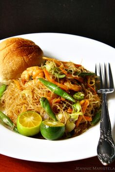 Pancit Bihon Guisado with Calamansi and Pandesal    (Sauteed Rice Noodles with Vegetables, Prawns and Pork with traditional  breakfast bun served with Calamansi Philippine Lime)