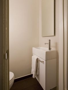 Contemporary Bathrooms from Cindy Aplanalp : Designers' Portfolio 2754 : Home & Garden Television#//color-pink/room-bathrooms#//color-pink/room-bathrooms