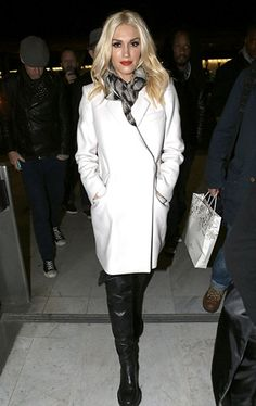How to wear a white coat. Gwen Stefani looking glam.