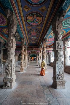Corridors of the Madurai Meenakshi Temple - Meenakshi, India