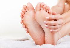 Mocz stopy w wodzie z octem – efekty zaskoczą każdego! Kobieceinspiracje.pl