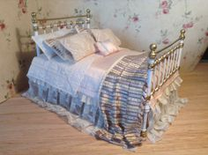 bed with antique lace www.pilarcalle.es