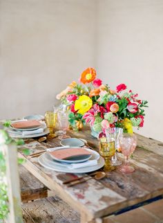 Photography : Lacie Hansen Read More on SMP: http://www.stylemepretty.com/2016/11/22/santa-barbara-colorful-elopement/