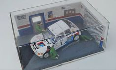 """Peugeot 205 in """"Diorama Taller"""" by scale - Photo Gallery of Friends_AlotSlot - Dessert Peugeot, Diorama, Motosport, Custom Cars, Scale Models, All Pictures, Hot Wheels, Diecast, Photo Galleries"""