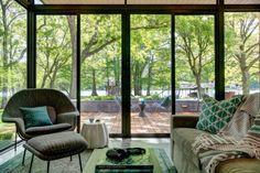 TINY HOUSE TOWN: Cousin Cabana: A Lakeside Getaway in Texas