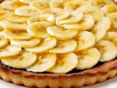 Bananentaart met chocolade - Libelle Lekker! Köstliche Desserts, Delicious Desserts, Dessert Recipes, Yummy Food, Italian Desserts, I Want Food, Love Food, Belgium Food, Baking Bad