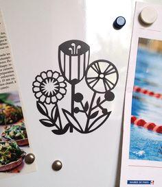 Aimant découpé Fleurs 1 - Cut out magnet of flowers - Fridge decoration de la boutique AnastassiaElias sur Etsy
