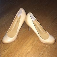 💥LAST CHANCE SALE Jessica Simpson Leather Heels These beautiful tan heels are the color of rawhide and have a cute wooden heel. They can easily be worn dressed up or casual. They've only been worn indoors, they were a bit too snug for me. No marks, no scuffs and ready to strut! Perfect like new condition! Jessica Simpson Shoes Heels