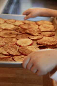 Baked apple cinnamon chips. This looks incredibly simple.. fall scents are some of the best.