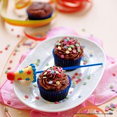 Schokoladen-Cupcakes mit Pariser Creme » Foto: A. Jungwirth Cake Pops Form, Cakepops, Google Play, Creme, Desserts, Apps, Food, Carnival Cakes, Chocolate Cake Pops