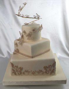 Tortenkunst - Cappuccinofarbene Hochzeitstorten