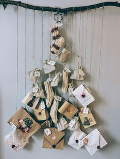 DIY joulukalenteri Mistletoe, Merry And Bright, Xmas, Christmas, Advent Calendar, Projects To Try, Seasons, Holiday Decor, Advent Calenders